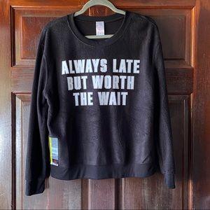 NO BOUNDARIES Black Pull Over Black Sweatshirt